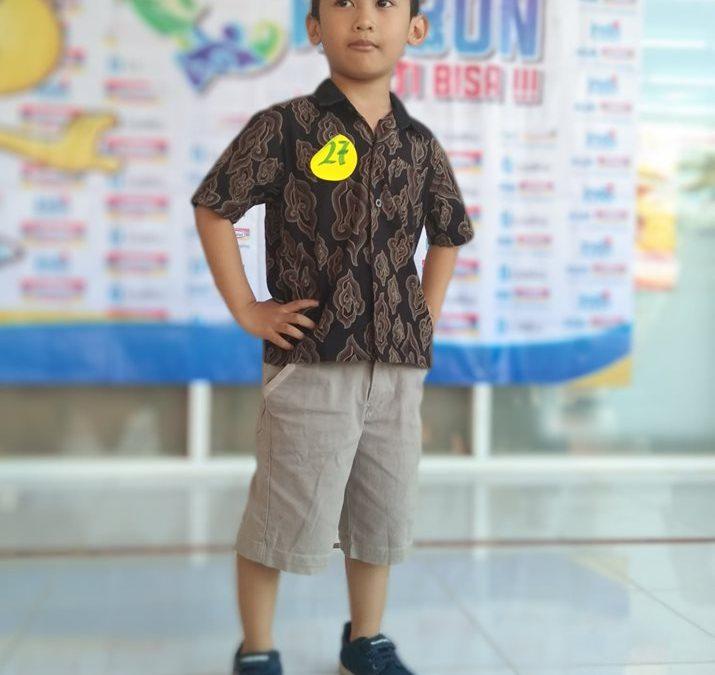 Fashion Show Pakaian Batik dan Tradisional