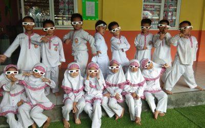 Keseruan Anak – Anak Nonton Film 3D Di Sekolahhhh