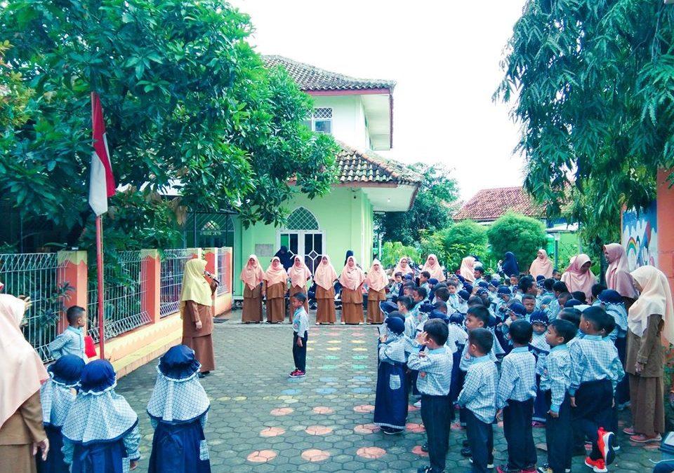 Kegiatan Upacara Bendera
